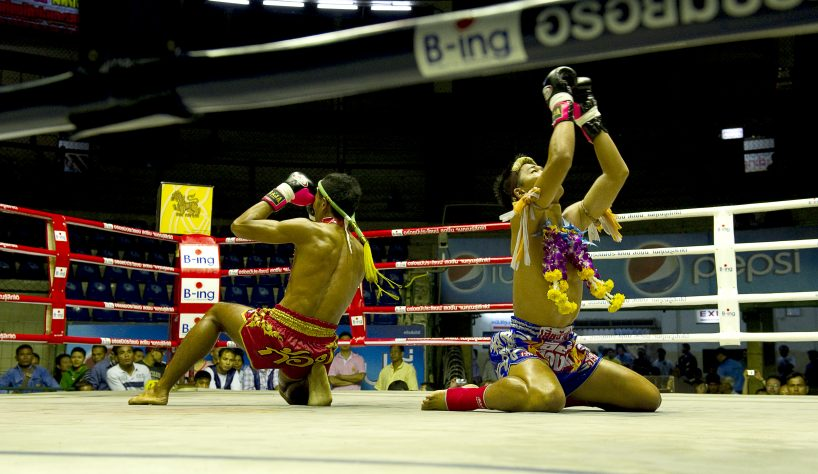 top 5 asian sports: muay thai - fighters making blessing before the combat